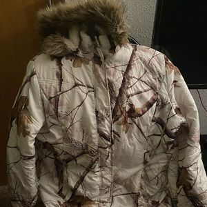 Realtree Women's Winter Coat 1X - Fits Like A L